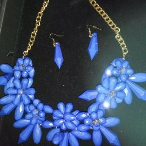 Mika blue necklace with matching earrings